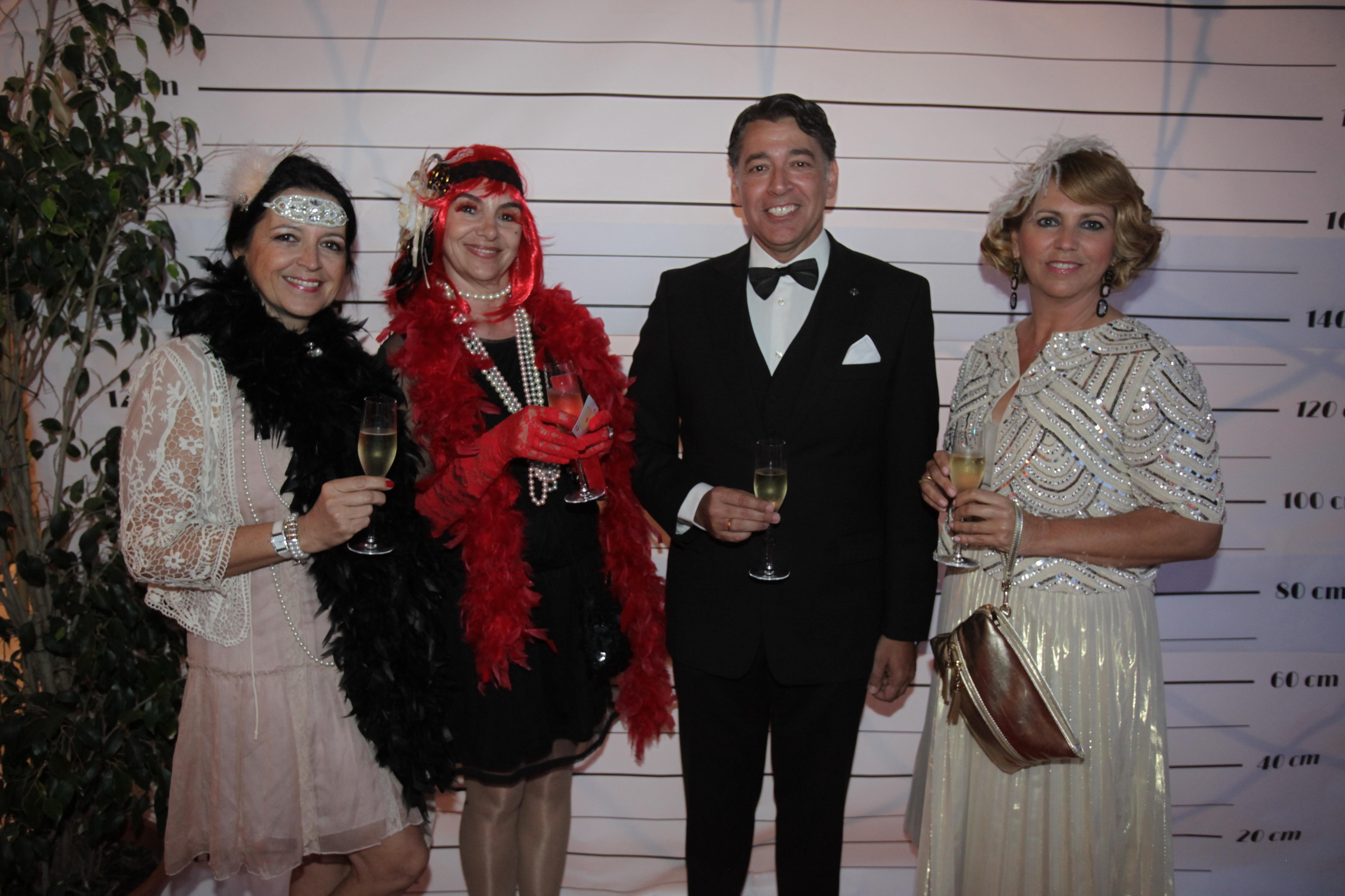 Se presenta el rotary club m laga alcazaba con una fiesta a os 20 yo soy mujer - Fiesta anos 20 ...
