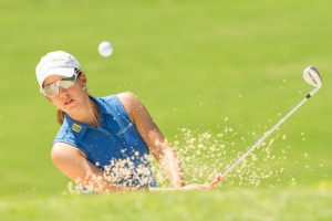 21/09/2016 Ladies European Tour 2016: Andalucía Costa del Sol Open de España Femenino, Aloha Golf Club, Marbella, Spain 22-25 Sept. Mireia Prat of Spain plays out of a bunker during a practice session. Credit: Tristan Jones
