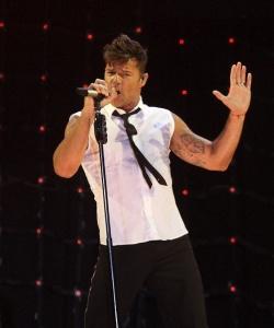 Ricky Martin abre la gira europea en la ciudad de Málaga y lleno ante más de 11.000 personas el auditorio de la ciudad ,Aunque esta gira mundial, 'One World Tour',es el primero de los concierto que va a dar por toda europa