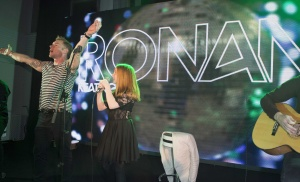 15th October 2016 Global Gift Gala diner hosted by Ronan Keating and Maria Bravo. Here Ronan Keating performs a duet on stage with daughter Ali. Held at Gran Malia Don Pepe, Marbella, Spain Credit: Justin Goff/Global Gift Foundation