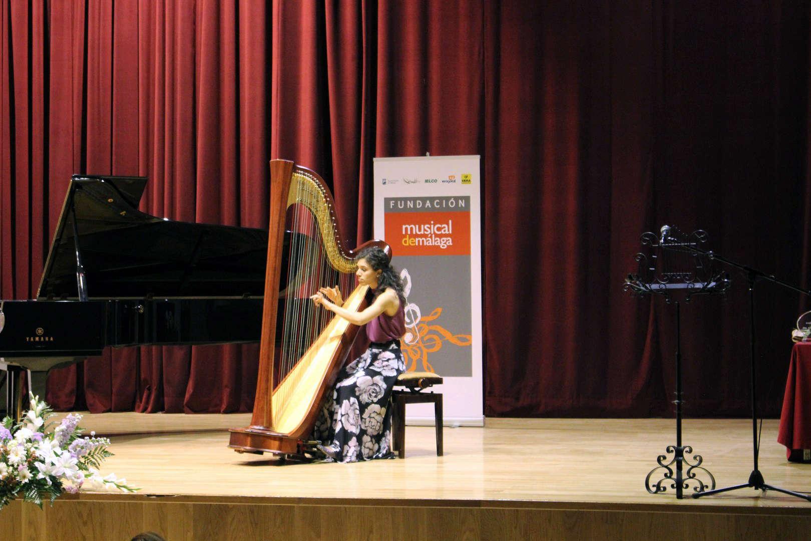 Actuación Carmen Escobar