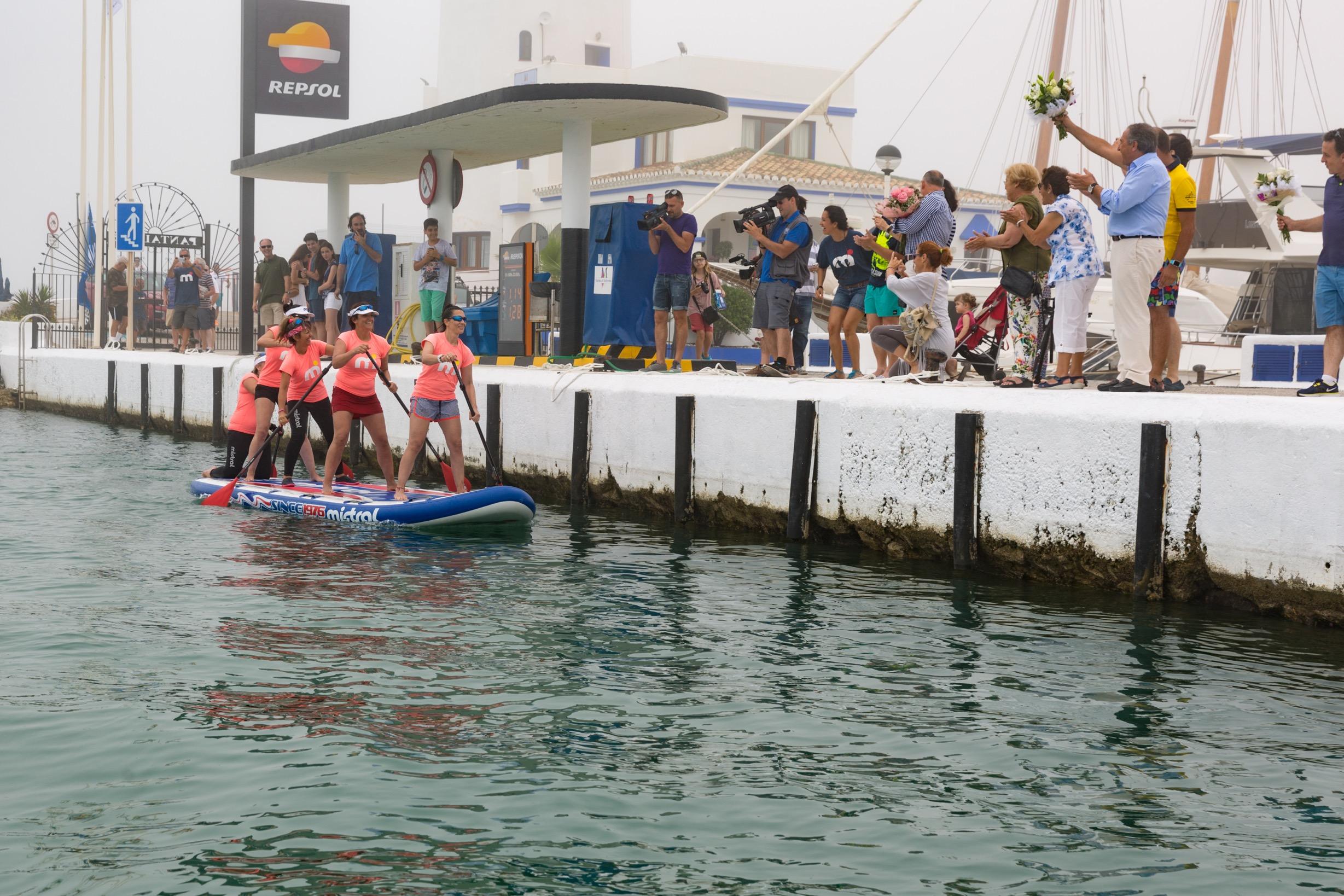 SURFEANDO LA VIDA. Llegada al Puerto de La Duquesa, en Manilva