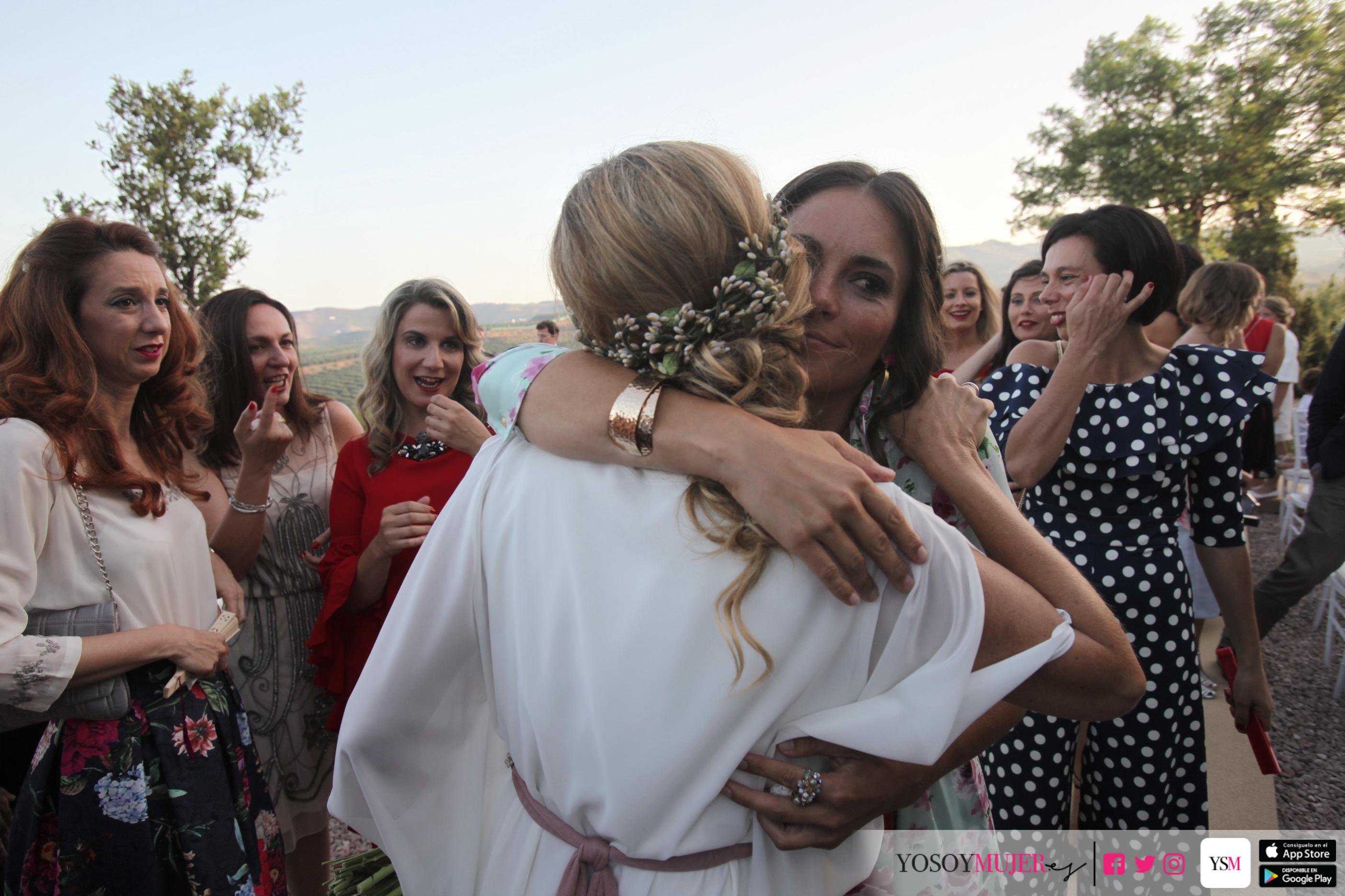 Abrazo Laura