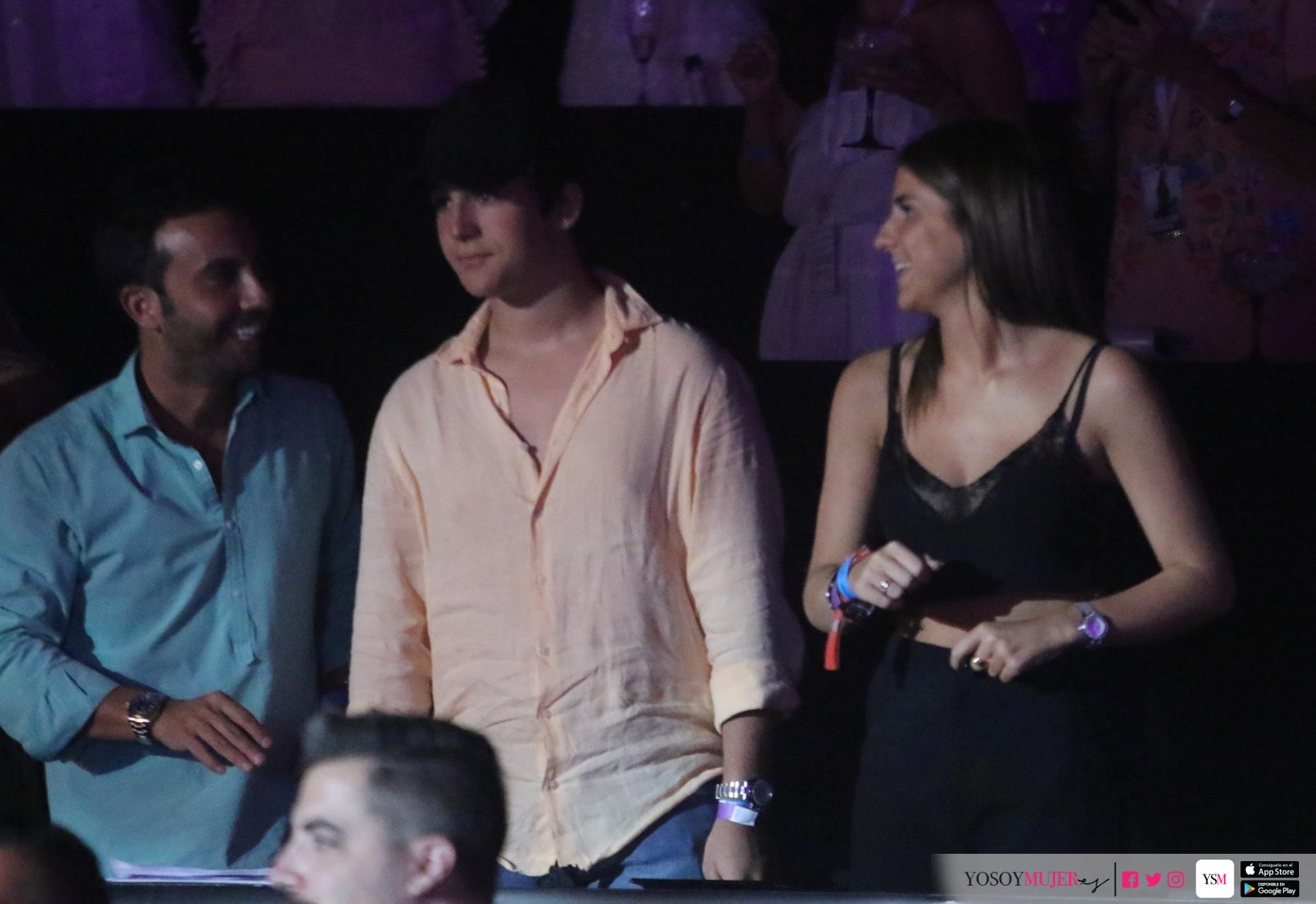 Froilan,nieto del Rey Juan Carlos disfruto del concierto de Juan