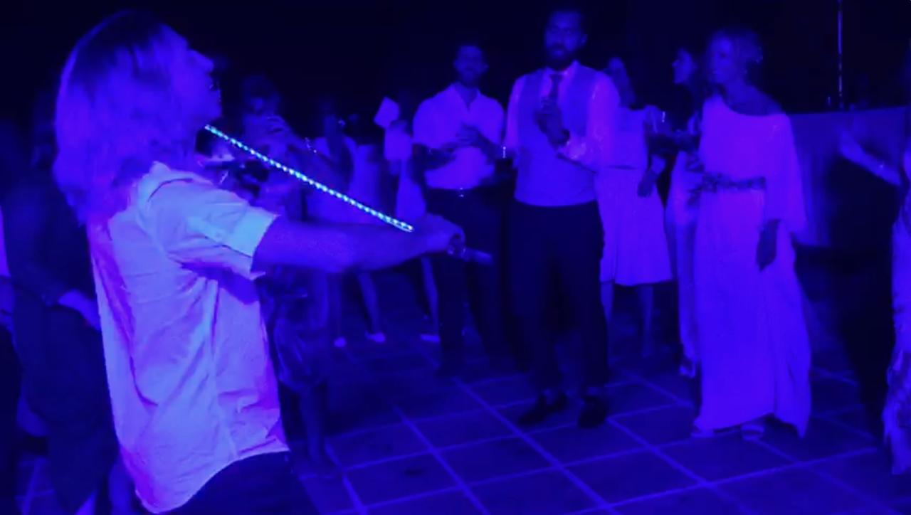 La foto es una captura de un vídeo. Nadie hizo fotos. Todo el mundo estaba bailando