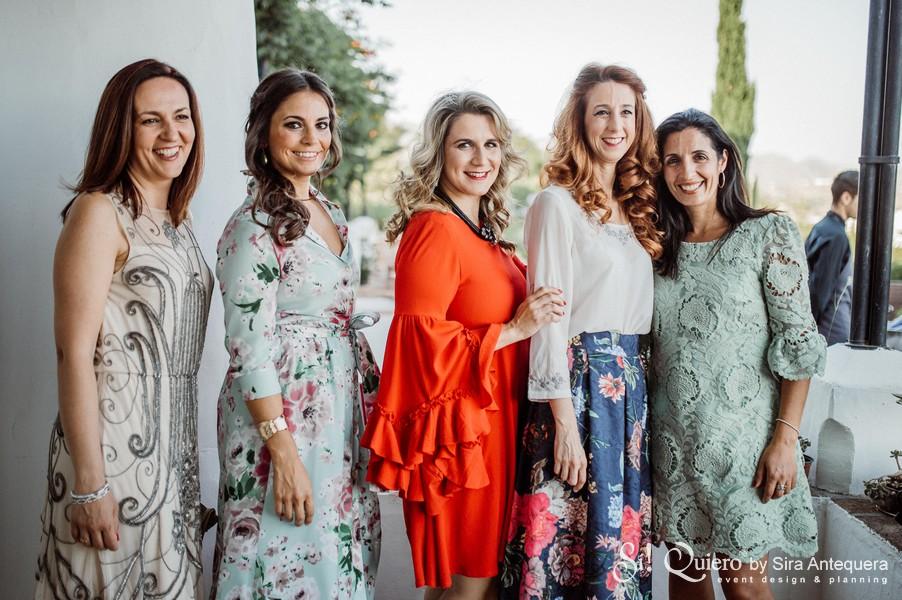 Tesi Romero y Laura Ochoa junto a Mariló Sánchez, Victoria Martín y Pilar Aguas de FTV