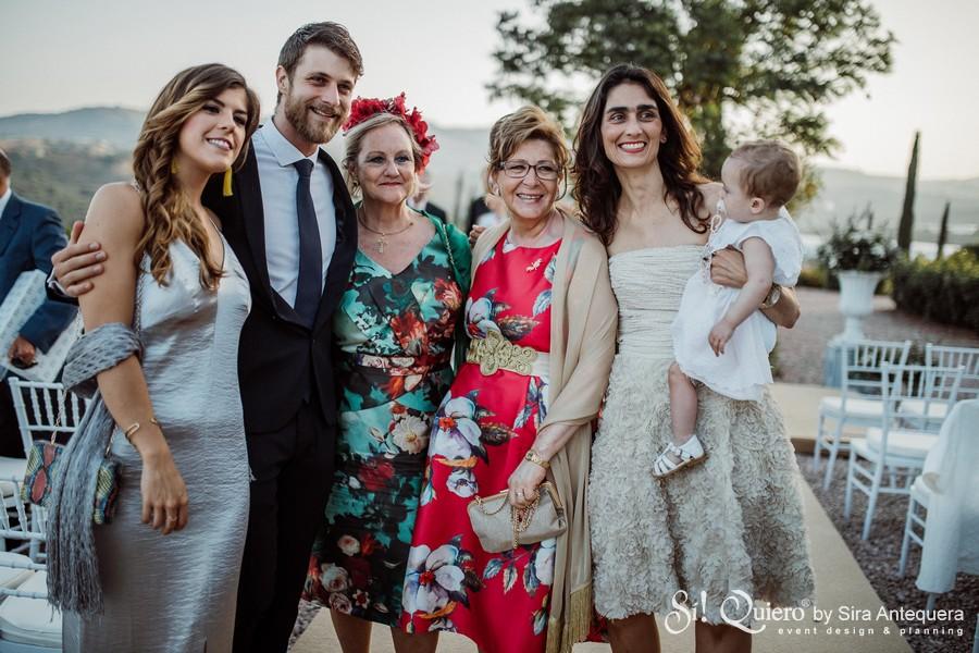 Mis tias Paqui y Consuelo y mis primos Carmen y Javi con su novia, Julia